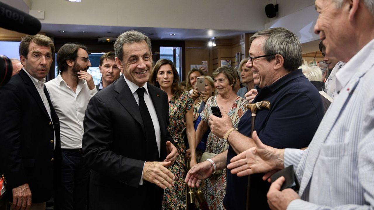 Popularite Pourquoi Sarkozy A Toujours Autant La Cote A Droite Les Echos