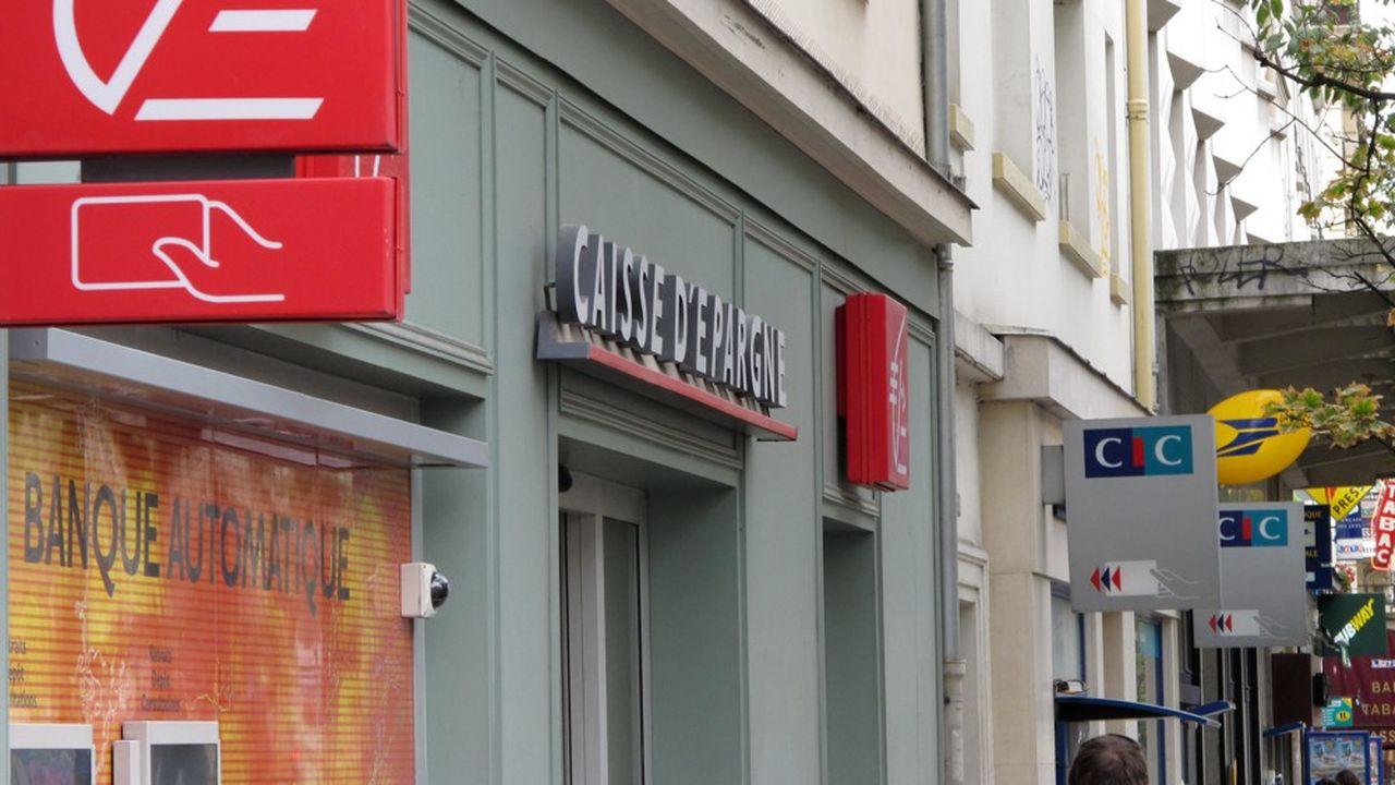 En France, les dépôts à vue placés par les particuliers dans les banques ont été multipliés par deux en douze ans.