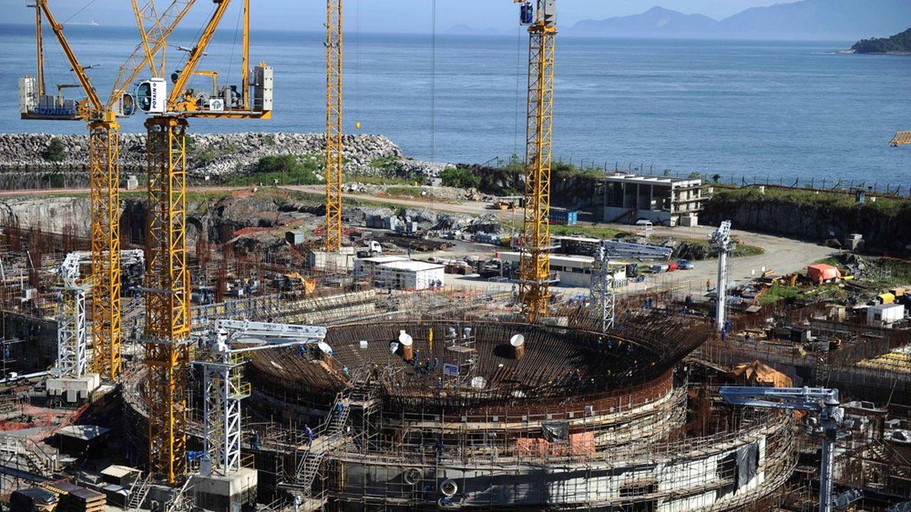 Le chantier de la centrale Angra 3 a commencé en 1984 mais a été plusieurs fois interrompu. Brasília table sur un démarrage de la production en 2025.