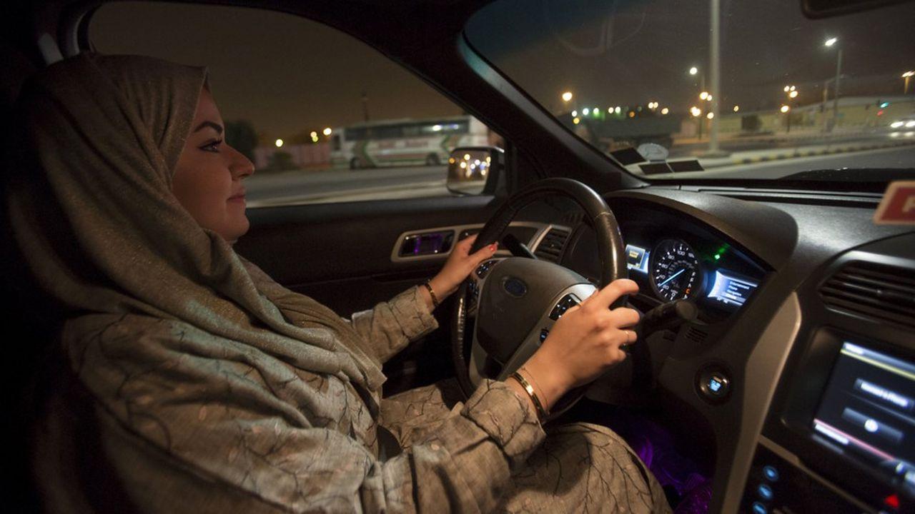 Autorisées à conduire en 2018, les Saoudiennes étaient libres de se déplacer à l'intérieur du Royaume. Une nouvelle étape vient d'être franchie.
