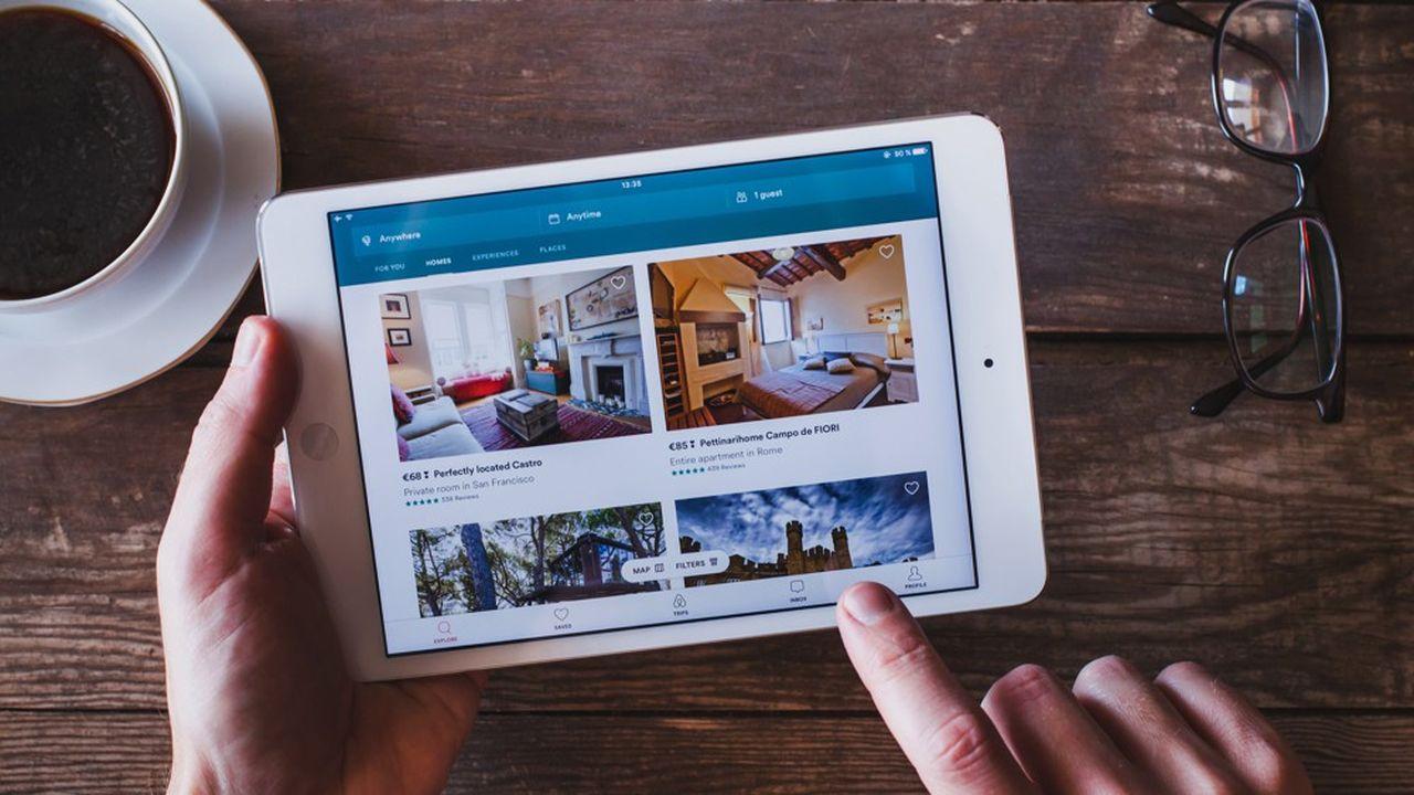 La taxe de séjour, collectée par l'hôtelier ou le propriétaire du logement qui la reverse à la commune, est confrontée à la montée en puissance des plates-formes en ligne comme Airbnb ou Leboncoin.