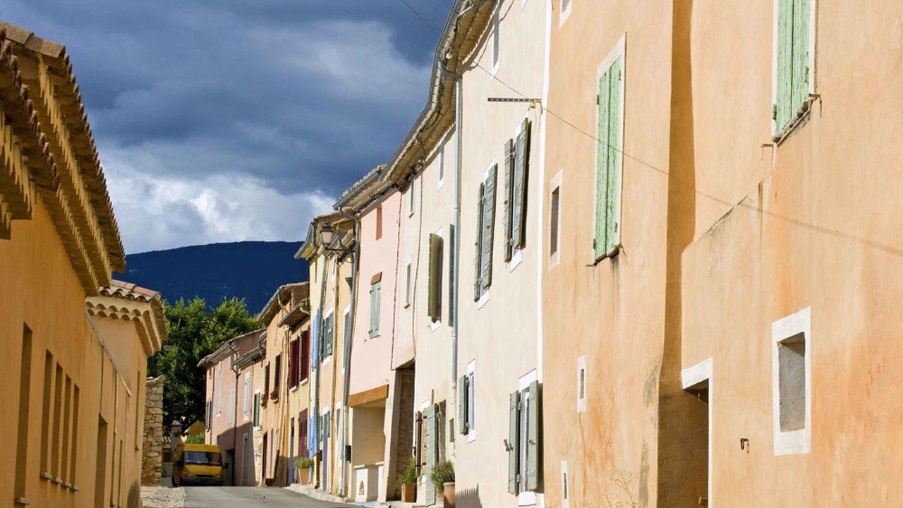 La suppression de la taxe d'habitation va entraîner des conséquences en chaîne dans les finances des collectivités locales.