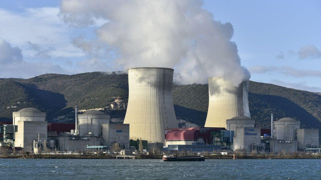 Le fonctionnement des centrales électronucléaires produit environ une dizaine de grammes de CO2 par KWh.