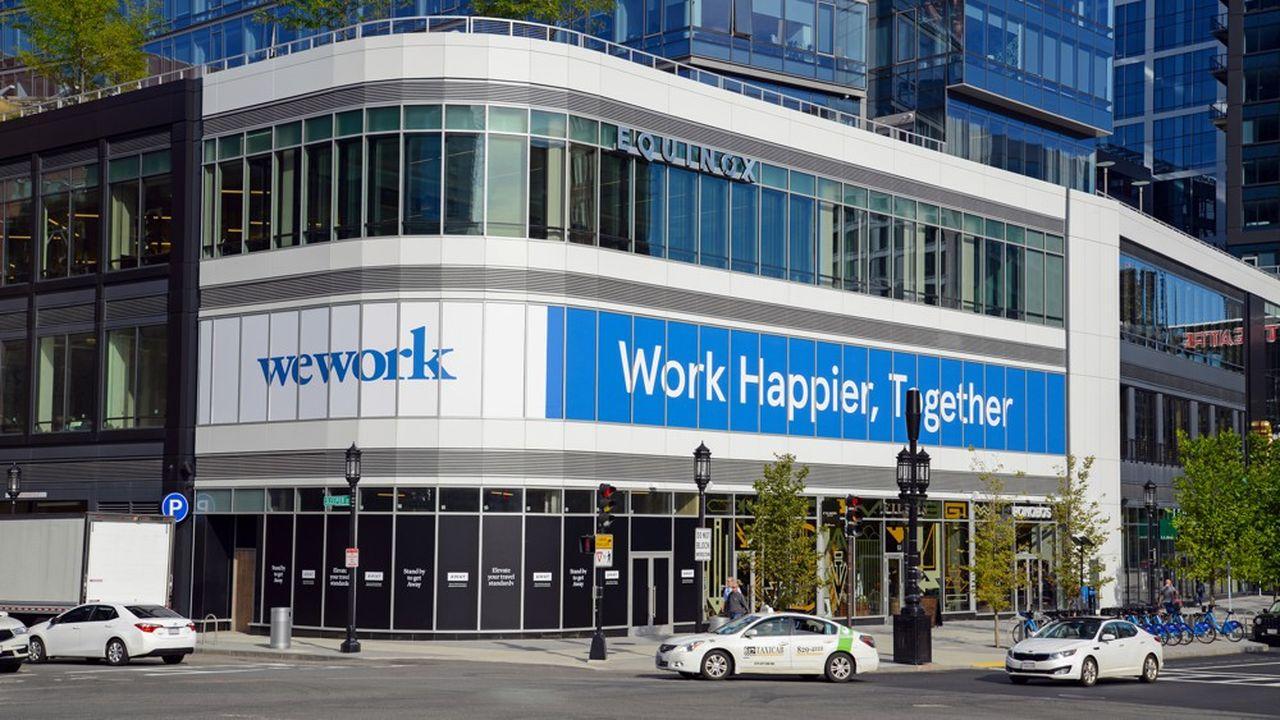 Malgré un chiffre d'affaires en hausse, WeWork a accusé un déficit de 2milliards de dollars l'an passé et affiche une dette colossale de 18milliards de dollars.
