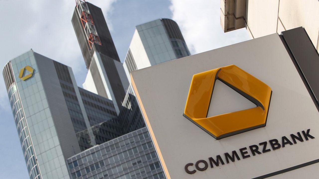 L'Etat allemand est de loin le premier actionnaire de Commerzbank avec une participation de 15% au capital.