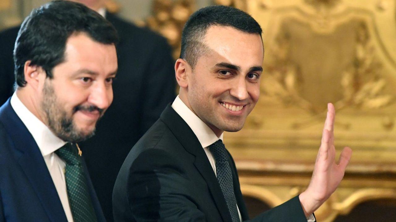 Le patron de la Liga, Matteo Salvini, et celui du mouvement Cinq étoiles (M5S), Luigi Di Maio, ont gouverné ensemble 15 mois avant que le premier ne décide jeudi la fin de la coalition improbable entre populistes de gauche et populistes de droite. (Photo by Alberto PIZZOLI / AFP)