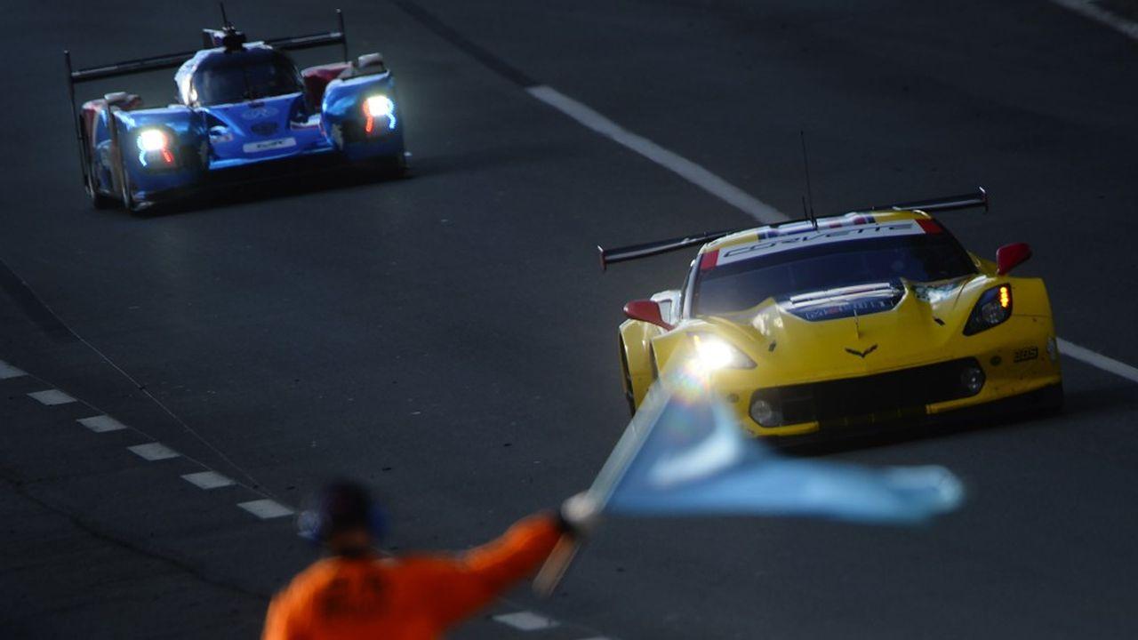 Sur le circuit du Mans, lors de la séance d'essais libres, mercredi 12 juin