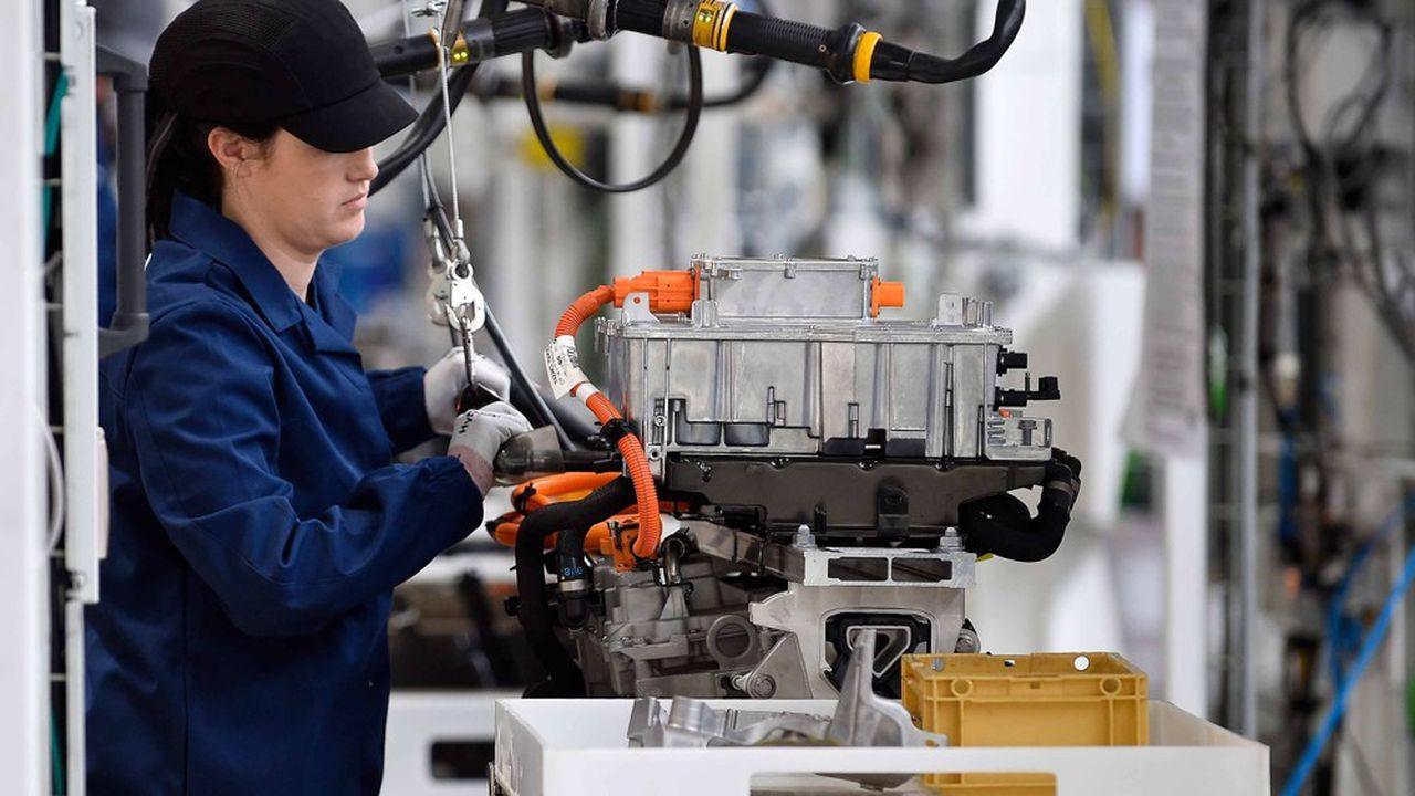 L'industrie automobile européenne prépare activement le passage à la voiture électrique.