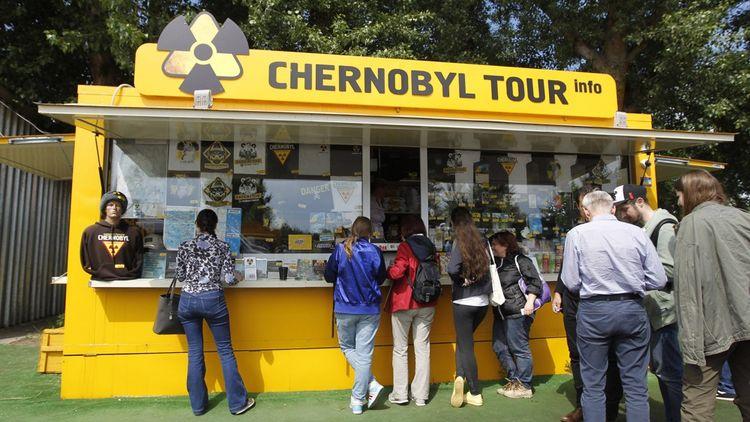 Il est possible de séjourner jusqu'à 3 jours dans Tchernobyl, de visiter les sites désaffectés et même de rencontrer les populations locales.