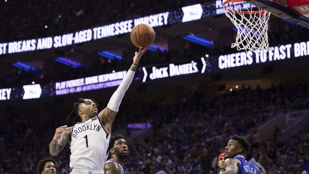 Il y a un an, le milliardaire avait déjà racheté 49% du capital des Brooklyn Nets au magnat russe Mikhail Prokhorov pour 1milliard de dollars.