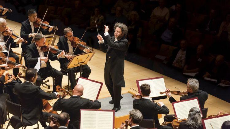 Le prestigieux Los Angeles Philharmonic a fait l'ouverture de l'Edinburgh International Festival dans un stade quasiment comble.