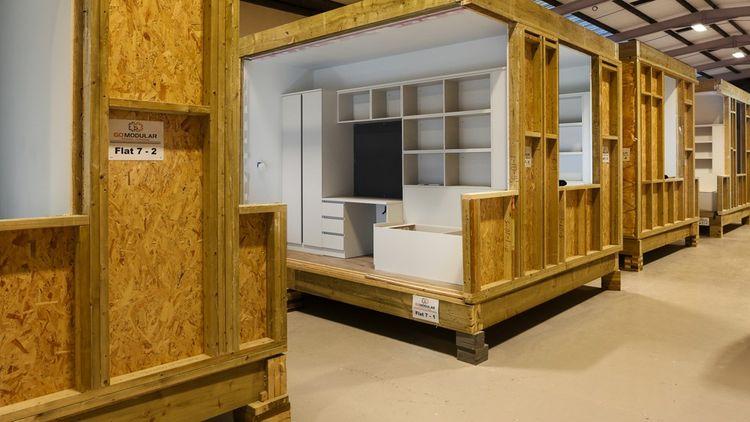 Les neuf logements de Go Modular vont du studio au grand appartement de cinq chambres. Ils sont composés de modules de 7,5à 10 tonnes, et incluent, bien sûr, une cuisine et une salle de bainspré-équipées.