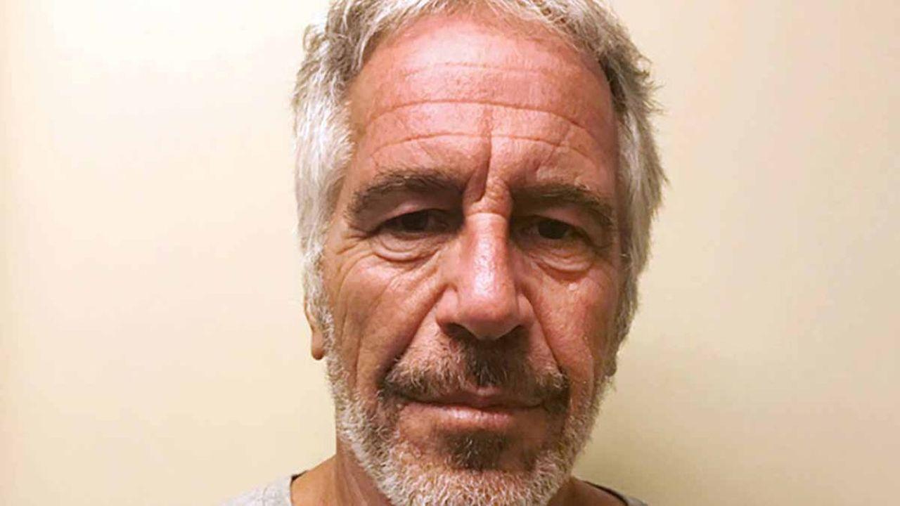Le suicide de Jeffrey Epstein accusé d'agressions sexuelles et trafic de mineures, ne clôt pas «l'affaire Epstein»