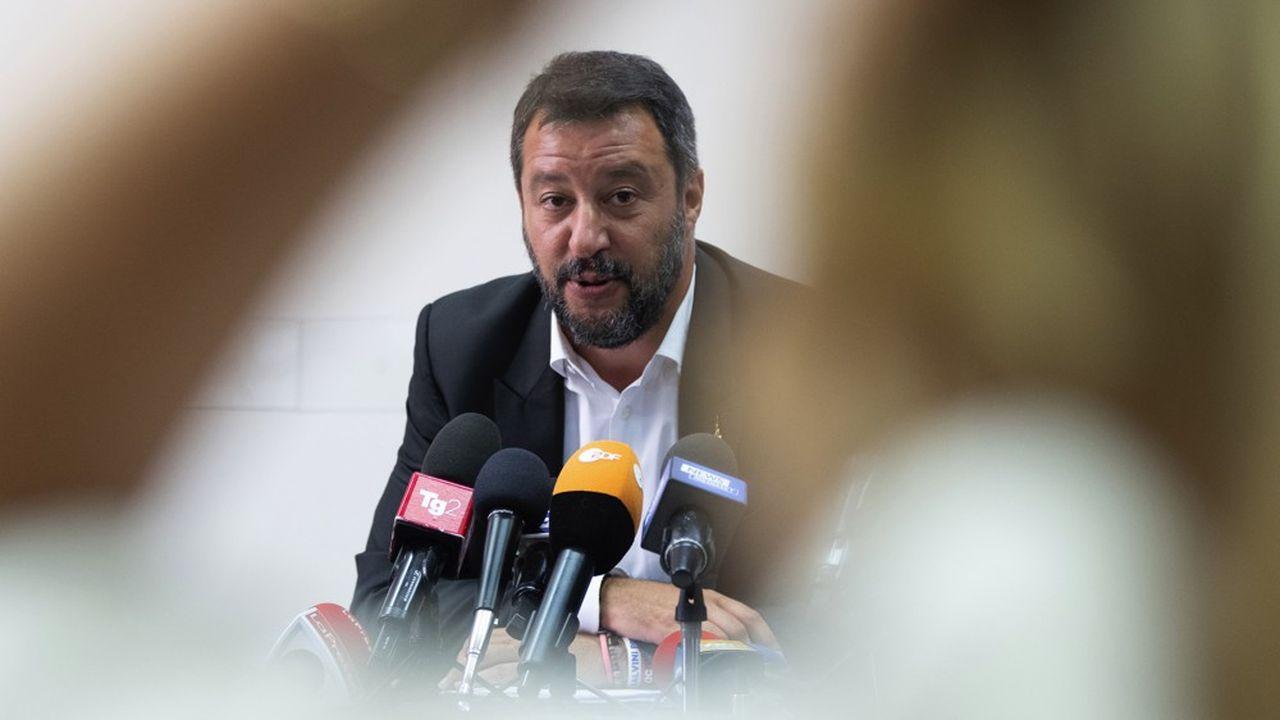 Malgré sa forte popularité dans les sondages (36 à 38 % des intentions de vote), la volonté de Salvini d'accaparer le pouvoir au bénéfice de son parti pourrait souder ses opposants.