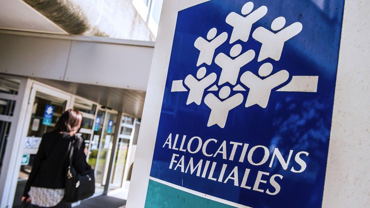 A court terme, cette mesure aurait pour conséquence d'augmenter de 5 milliards d'euros par an le budget dédié aux aides sociales