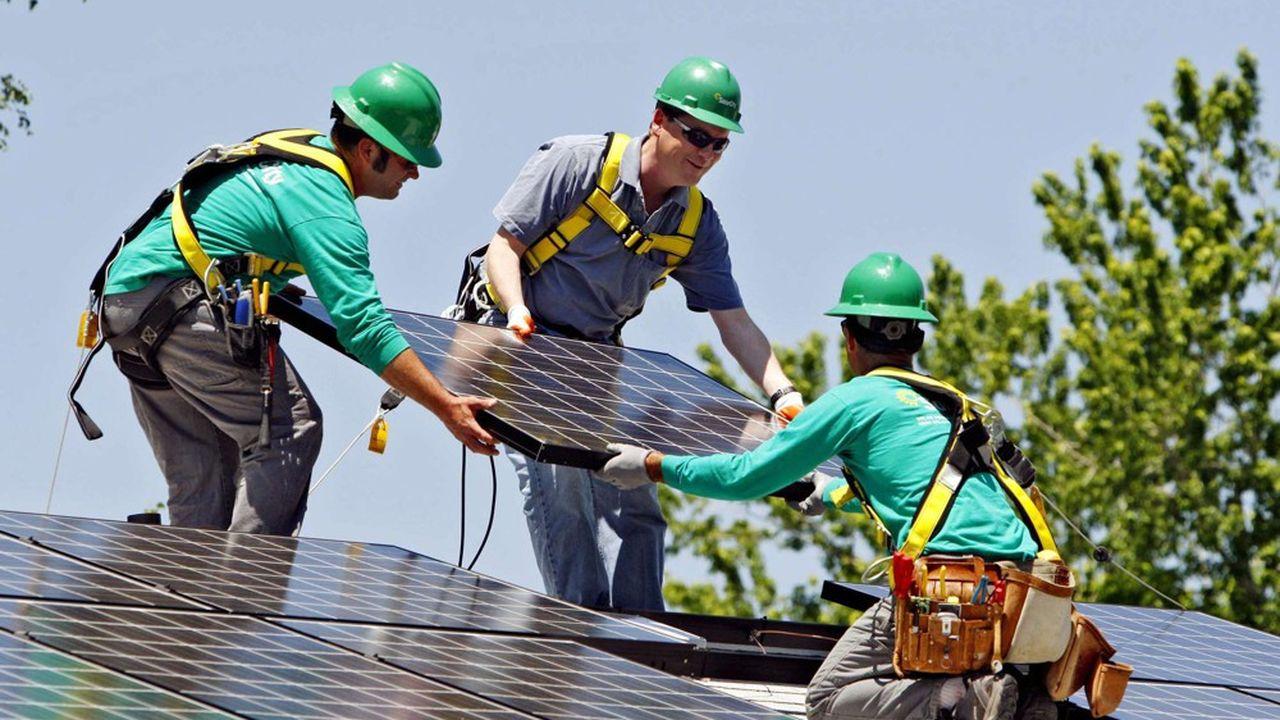 Walmart porte plainte contre Tesla pour des problèmes d'embrasement de panneaux solaires