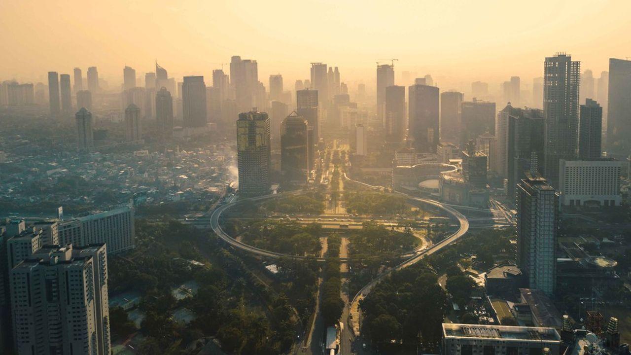 Le FMI a révisé plusieurs fois à la baisse les perspectives de croissance des marchés émergents (notre photo: Jakarta).