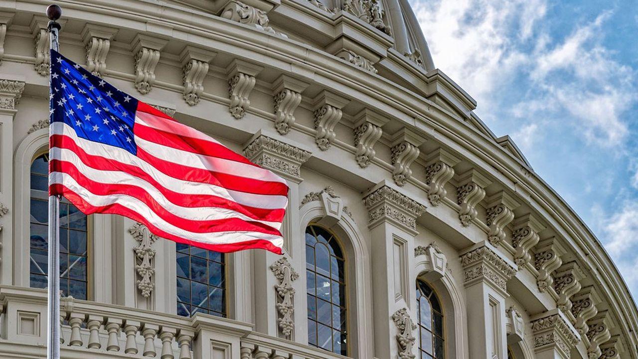 Le CBO, agence indépendante du Congrès américain, met en garde contre le creusement des déficits publics américains.
