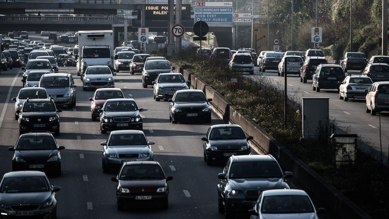 Sur les routes françaises, PSA et Renault sont en train de perdre tout doucement du terrain.