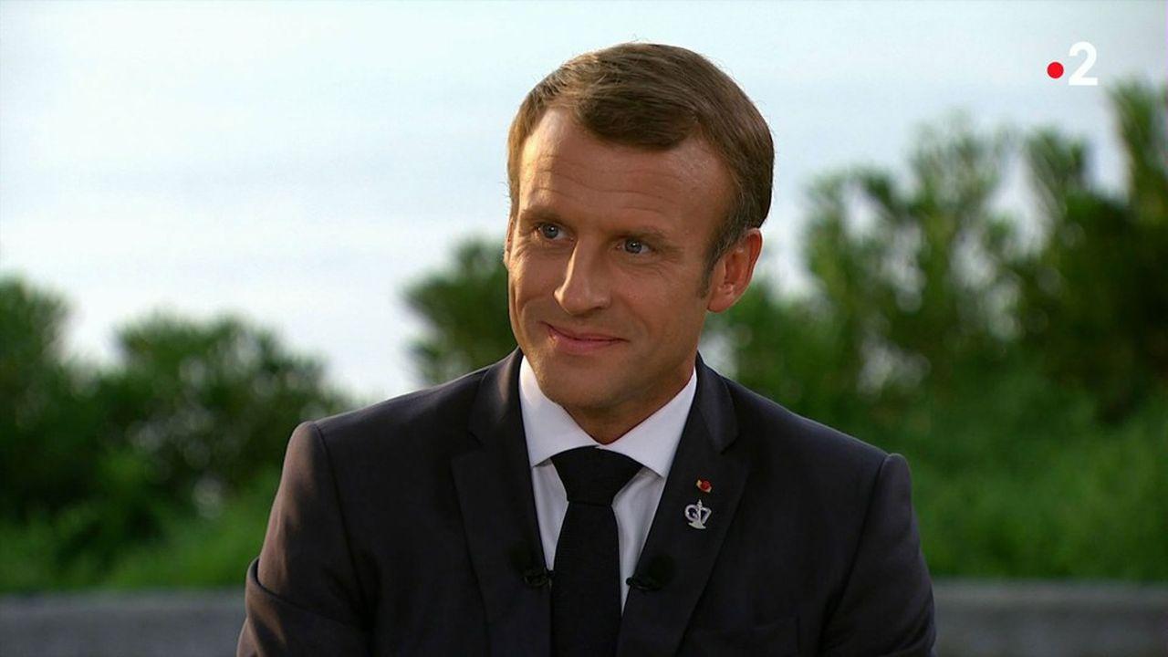 Emmanuel Macron a indiqué lundi soir sa préférence, dans le projet de refonte du système des retraites, pour un calcul des droits à la retraite lié à la durée de cotisation plutôt qu'à l'âge de départ.