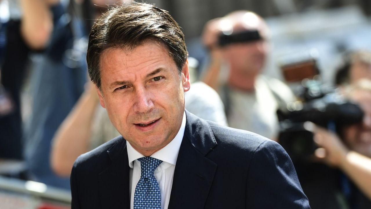 Le Premier ministre italien, Giuseppe Conte, va très vraisemblablement se succéder à lui-même. Moqué jusqu'ici comme un homme de paille de la coalition Ligue-M5S, il est désormais considéré par la presse transalpine comme le taulier du paysage politique.