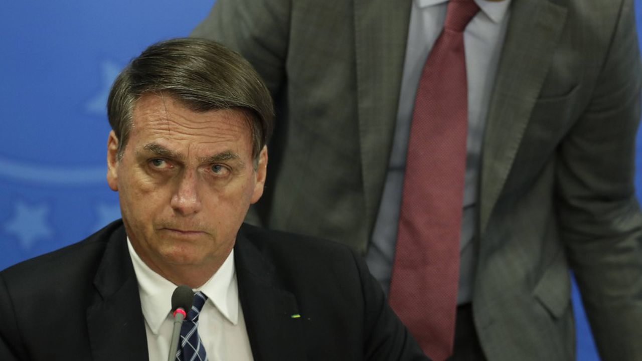 Le président brésilien Jair Bolsonaro s'est attiré les foudres de la communauté internationale sur sa gestion des incendies de la forêt amazonienne.