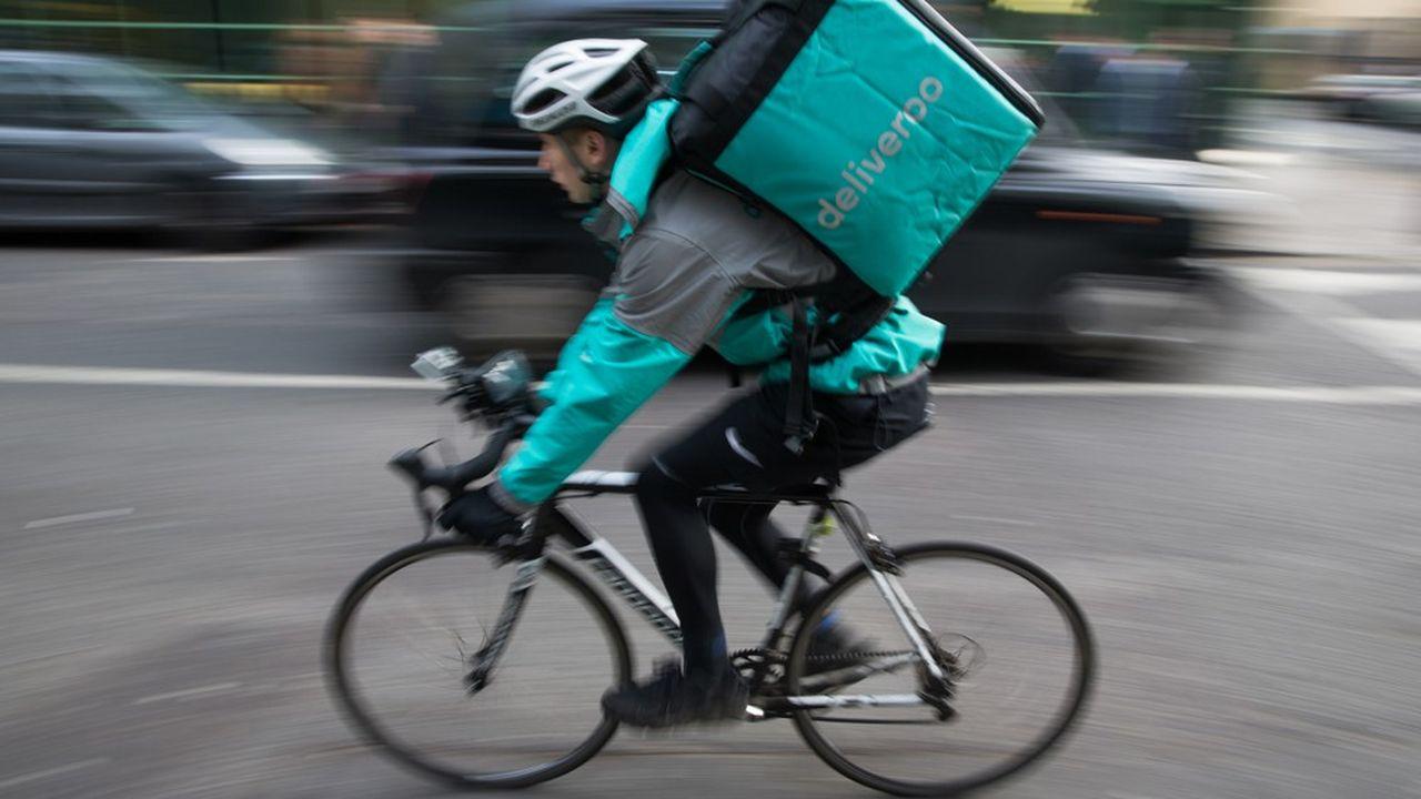 Aux Pays-Bas, les coursiers de Deliveroo sont considérés par la justice comme des salariés.