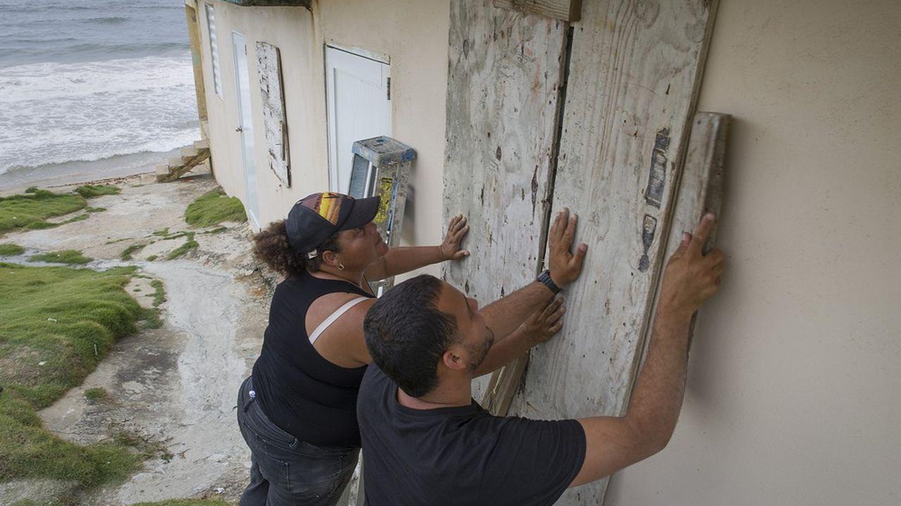 Selon le dernier bulletin du Centre national des ouragans américain, Dorian devrait se transformer en ouragan avant même de toucher l'île.