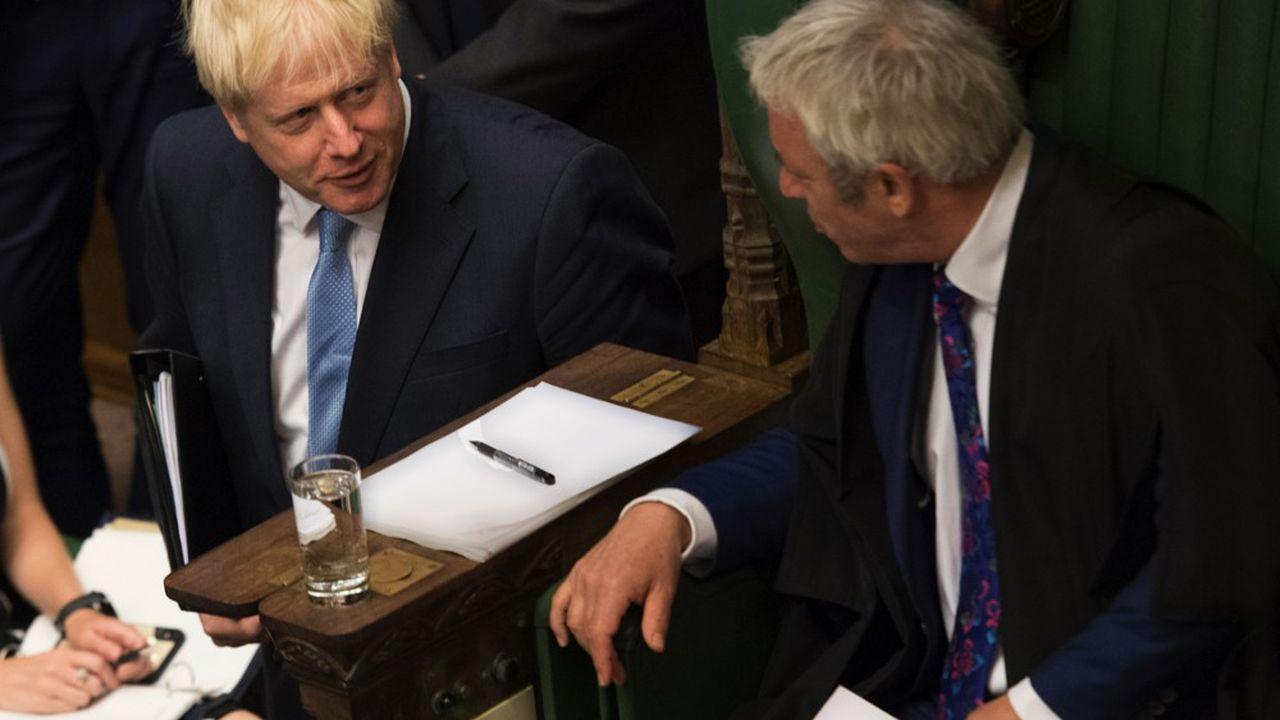 Pour Boris Johnson, ici face au Speaker de la Chambre des communes John Bercow, le risque de voir le Parlement se cabrer est élevé mais concentré sur quelques jours, ce qui est toujours mieux que d'avoir à gérer, pendant plusieurs semaines, un second front à Londres alors qu'on négocie à Bruxelles.
