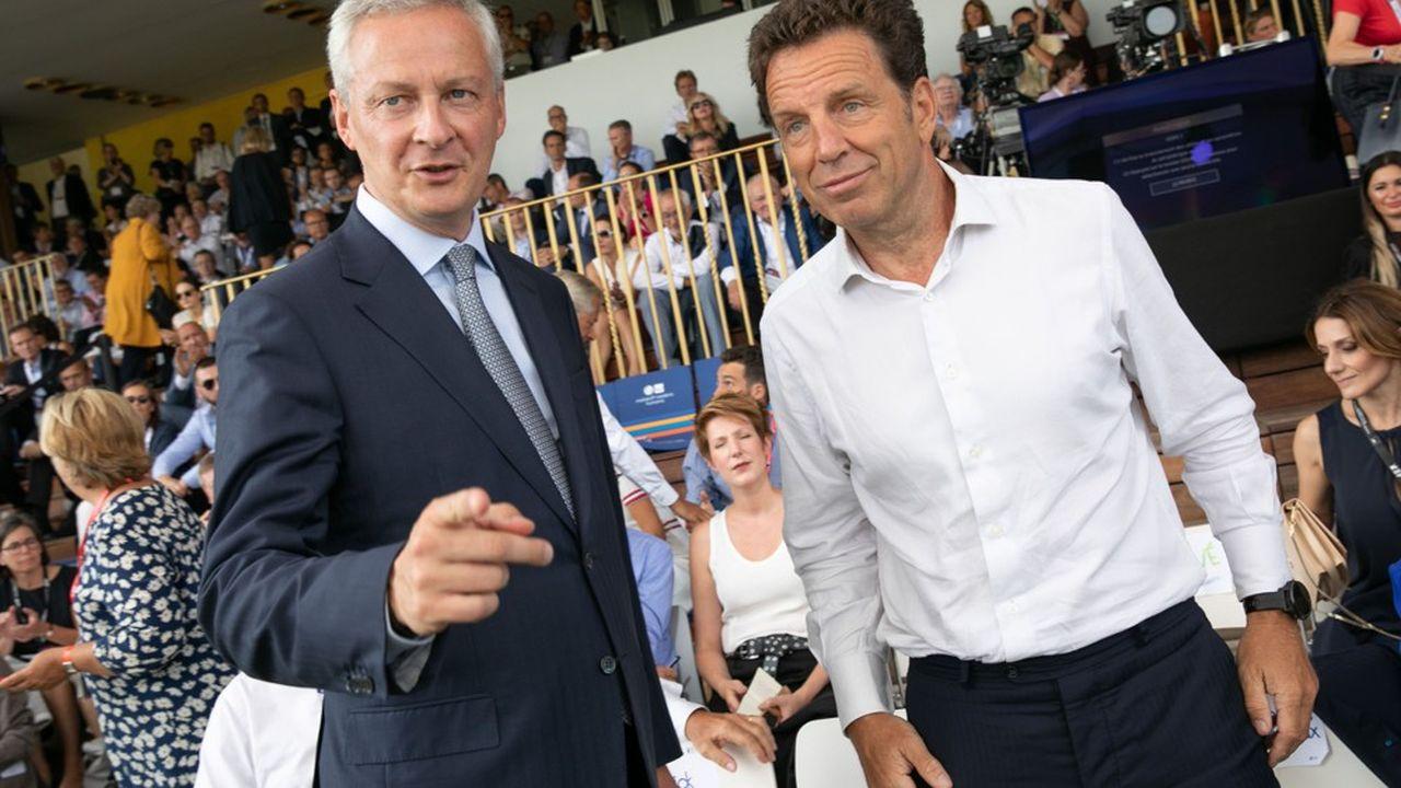 Le ministre de l'Economie, Bruno Le Maire, et le patron du Medef, Geoffroy Roux de Bézieux, se sont croisés aux «rencontres des entrepreneurs de France» organisées à l'hippodrome de Longchamp cette année. L'occasion pour le président de l'organisation patronale de faire passer quelques messages critiques.