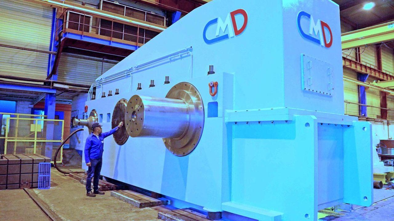 Taillés au centième de millimètre, les engrenages de ce réducteur d'un poids de 180 tonnes présentent les caractéristiques d'une mécanique de précision.