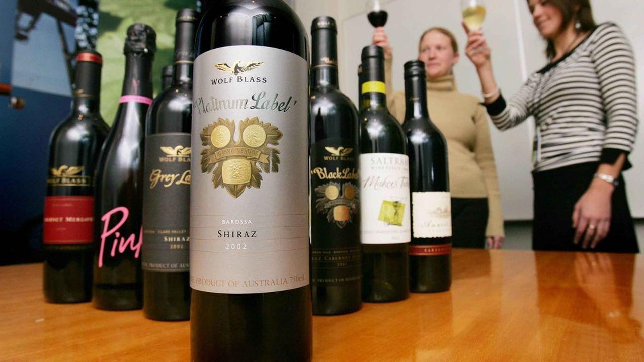Les exportations australiennes sont en nette progression, notamment dans le secteur viticole, les vins australiens ayant même ravi la place de premier exportateur en Chine à la France. 'L'abus d'alcool est dangereux pour la santé. À consommer avec modération'.
