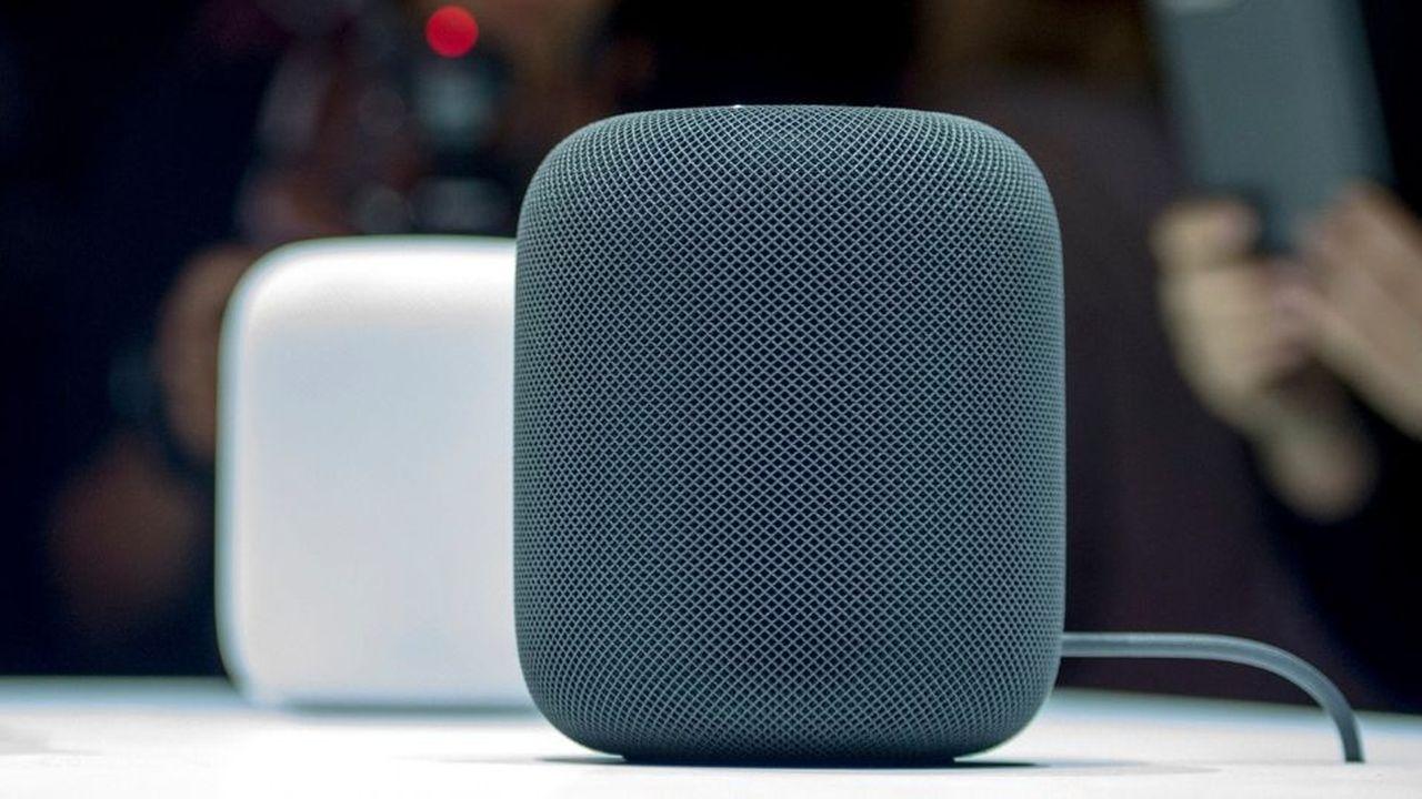 Le HomePod, l'enceinte connectée d'Apple, tourne avec son assistant vocal Siri