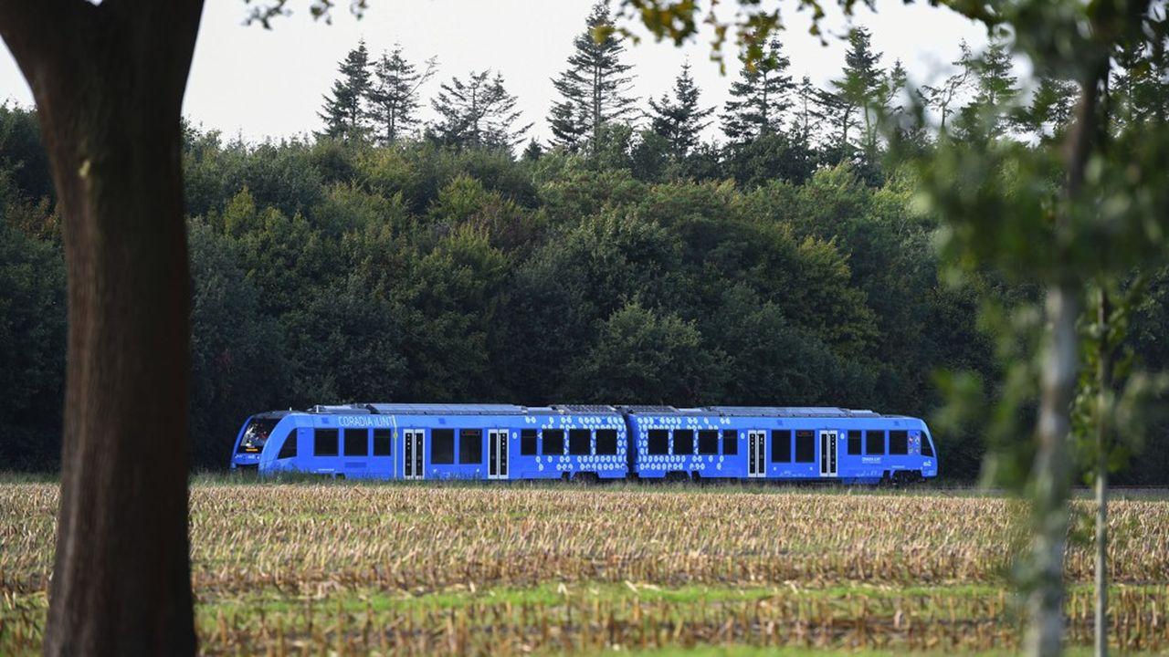 Alstom a proposé l'an dernier une adaptation française de son train à hydrogène qui circule depuis septembre2018 en Allemagne.