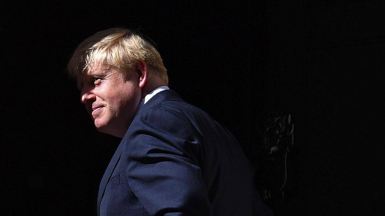 Selon certains, Boris Johnson étudierait la possibilité légale d'ignorer tout texte de loi, voire de refuser de démissionner même après avoir perdu une motion de défiance.