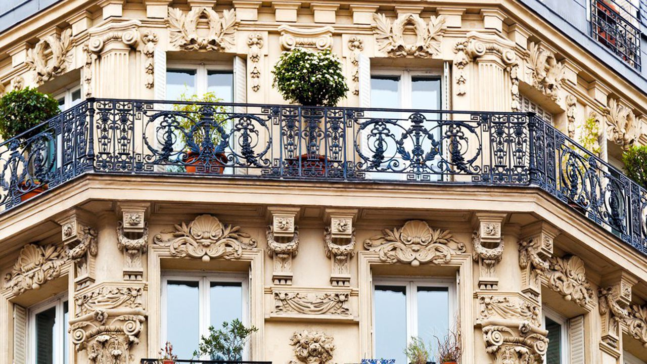 Selon le baromètreimmobilier de MeilleursAgents, le prix moyen à Paris a dépassé au moisd'août la barre symbolique des 10.000euros le m2.