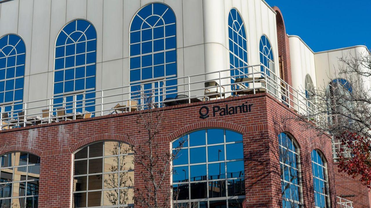 Palantir fournit des technologies de contrôle aux frontières.