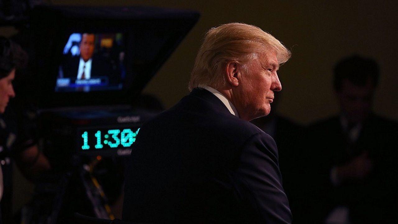 Donald Trump sur le plateau de Fox News en 2015 pour un débat télévisée en vue de l'élection présidentielle.