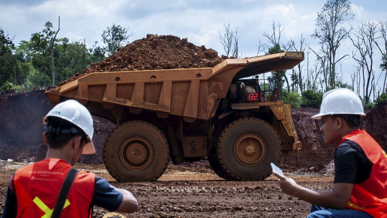 Dans une mine de nickel en Indonésie