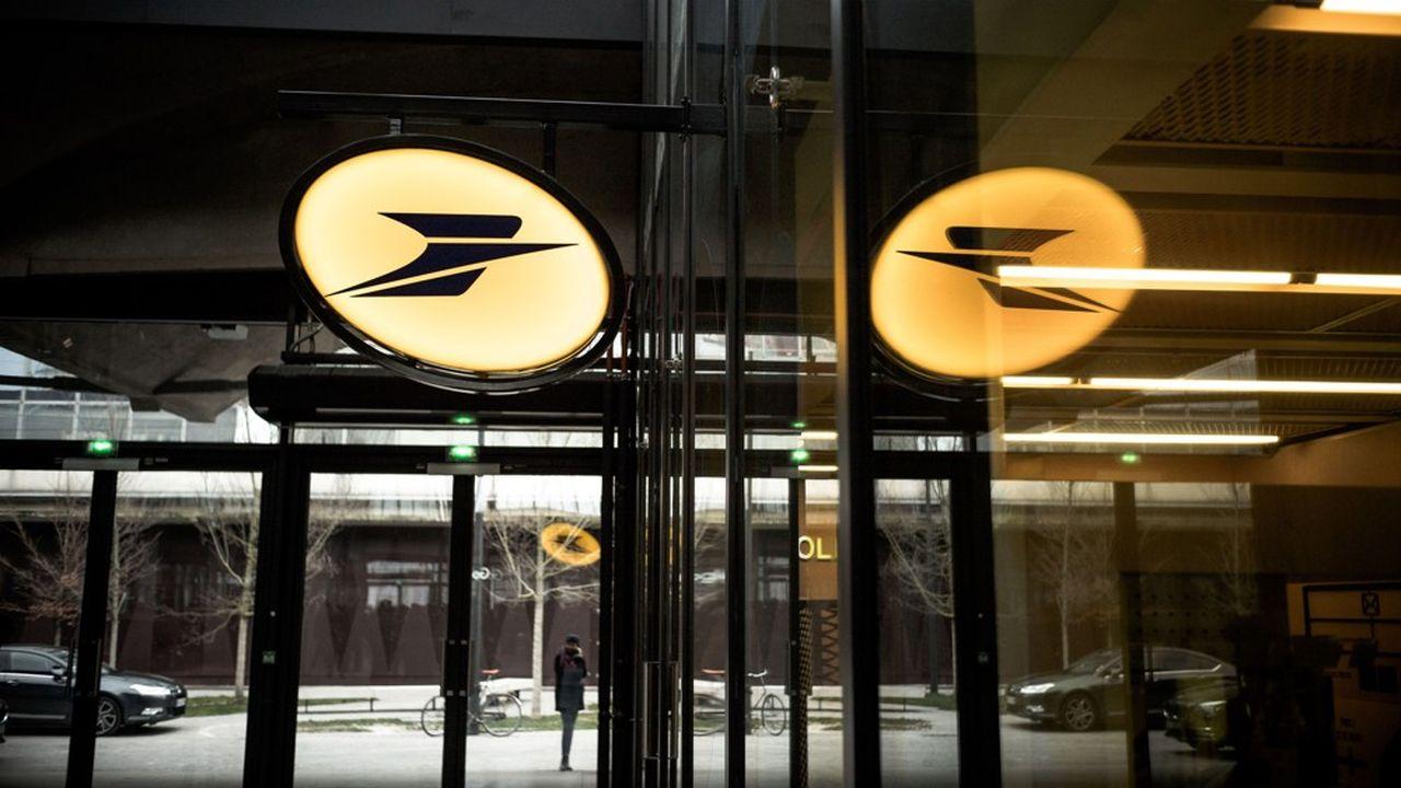 L'objectif de cette intégration: rendre LaPoste moins dépendante du courrier en perte de vitesse et faire de l'opérateur public un bancassureur ancré dans les territoires.