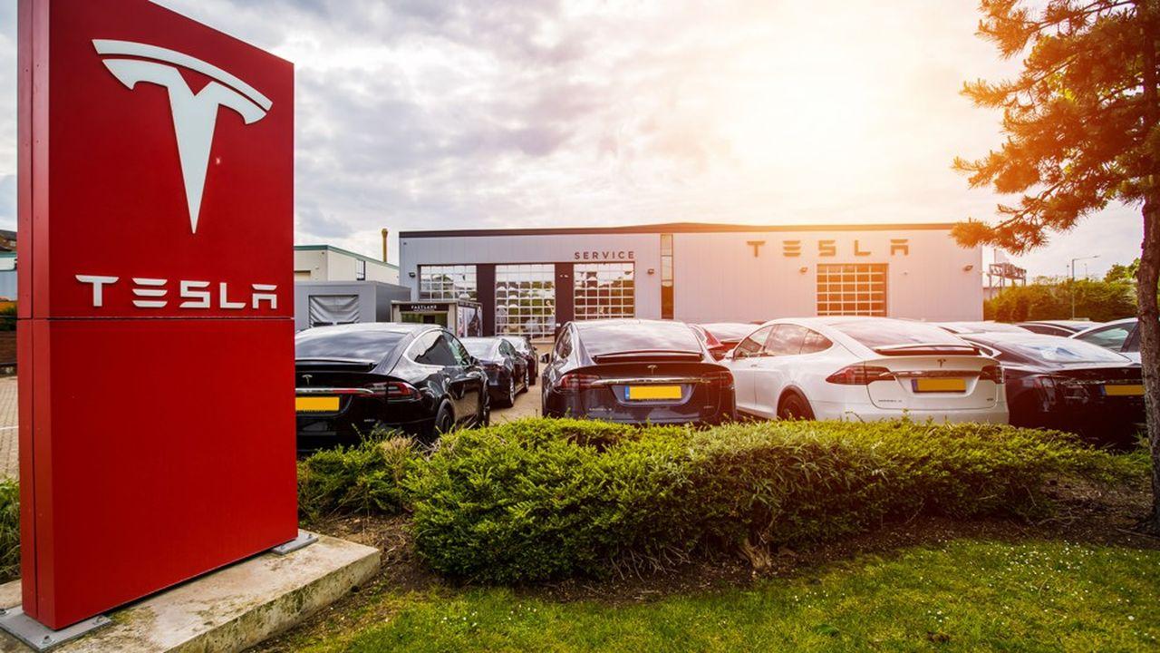 Selon une étude réalisée en 2018 par 24/7 Wall St., les Tesla Model S et Model X figureraient parmi les voitures les plus chères à assurer.