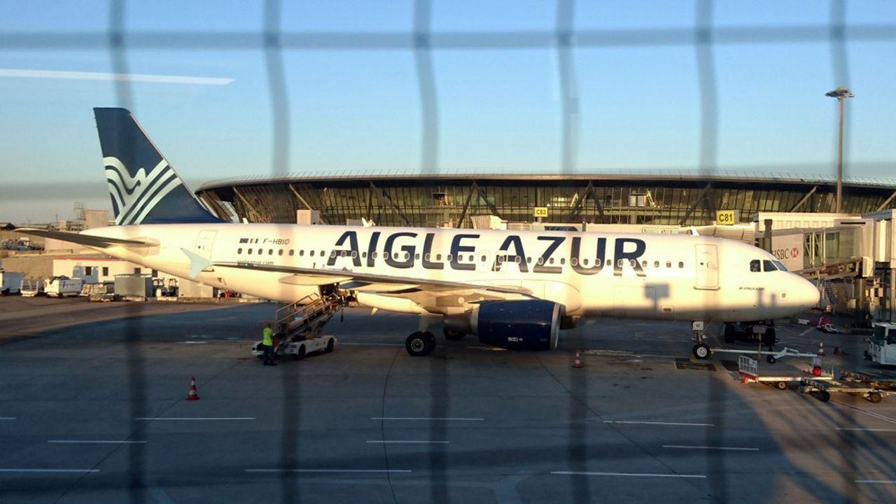 Créée en 1946, la compagnie Aigle Azur a longtemps prospéré sur la desserte de l'Algérie.