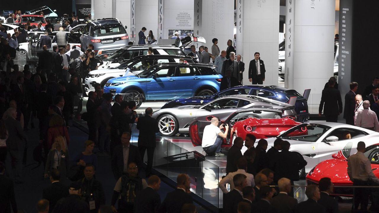 Le nombre d'exposants au salon auto de Francfort, qui s'ouvre la semaine prochaine, est tombé de 1.000 il y a deux ans, à 800 cette année.