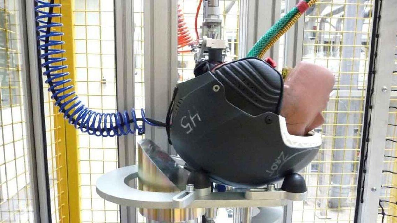 La plate-forme Certimoov a mené une première étude portant sur une soixantaine de casques ayant subi chacun six types de chocs différents.