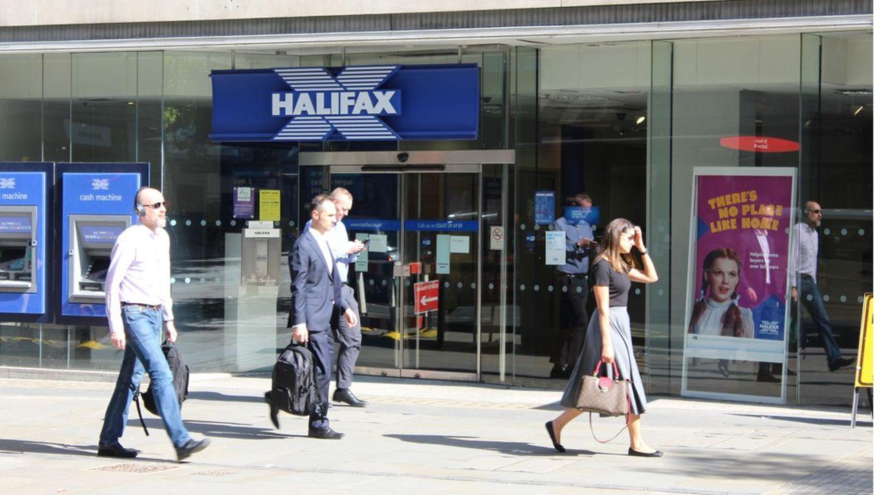 C'est la filiale de Lloyds, Halifax, qui reprendra en direct les emprunteurs jusque-là servis par Tesco Bank.