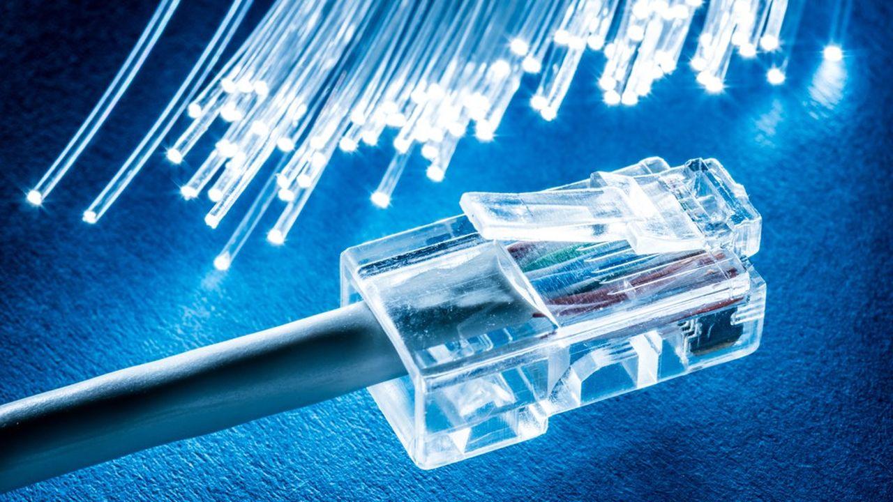 Avec 15millions de foyers éligibles à la fibre optique, la France est en avance sur le déploiement de cette infrastructure clef de l'Internet très haut débit.