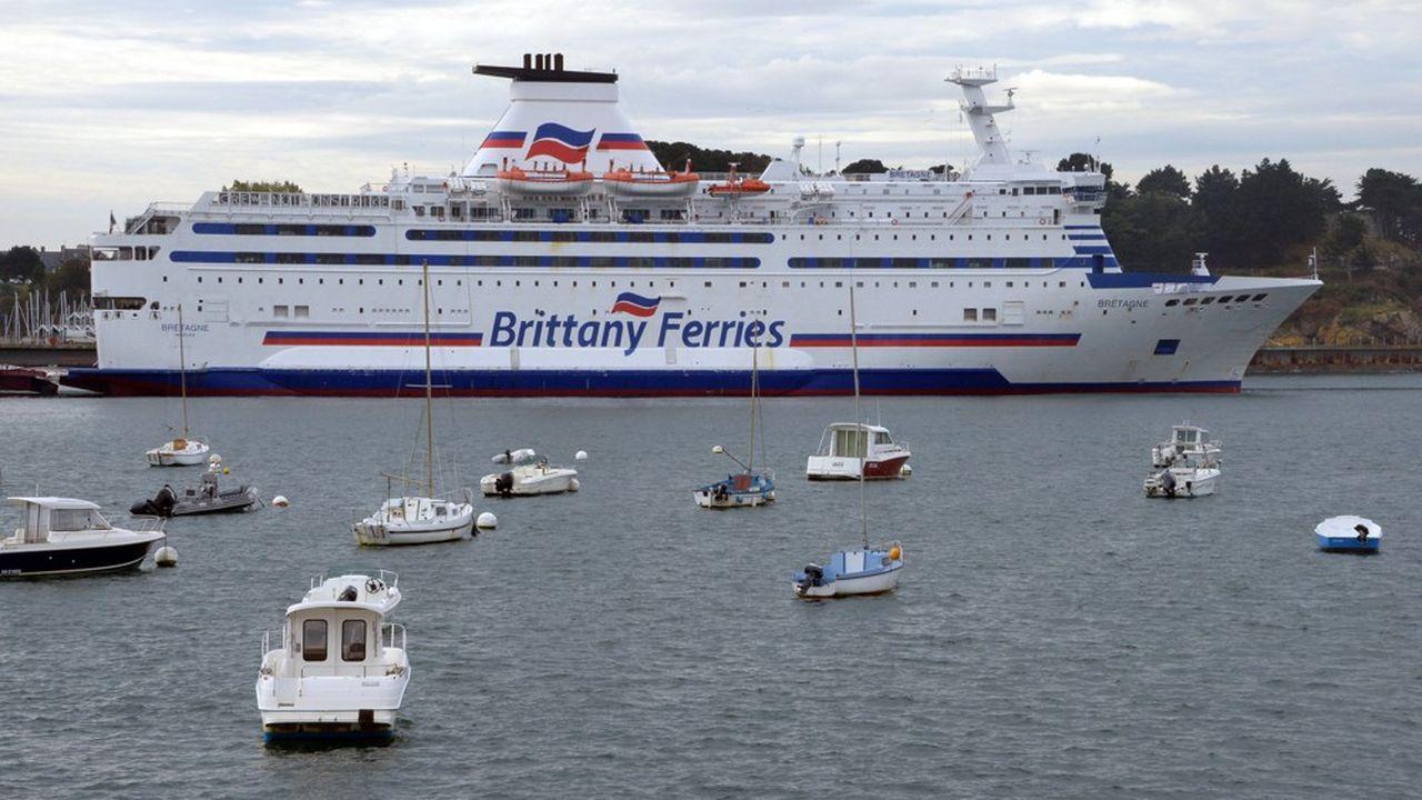 Les ferries de Brittany Ferries assurent un grand nombre d'escales à Saint-Malo mais l'essentiel des tonnages est constitué de produits en vrac.