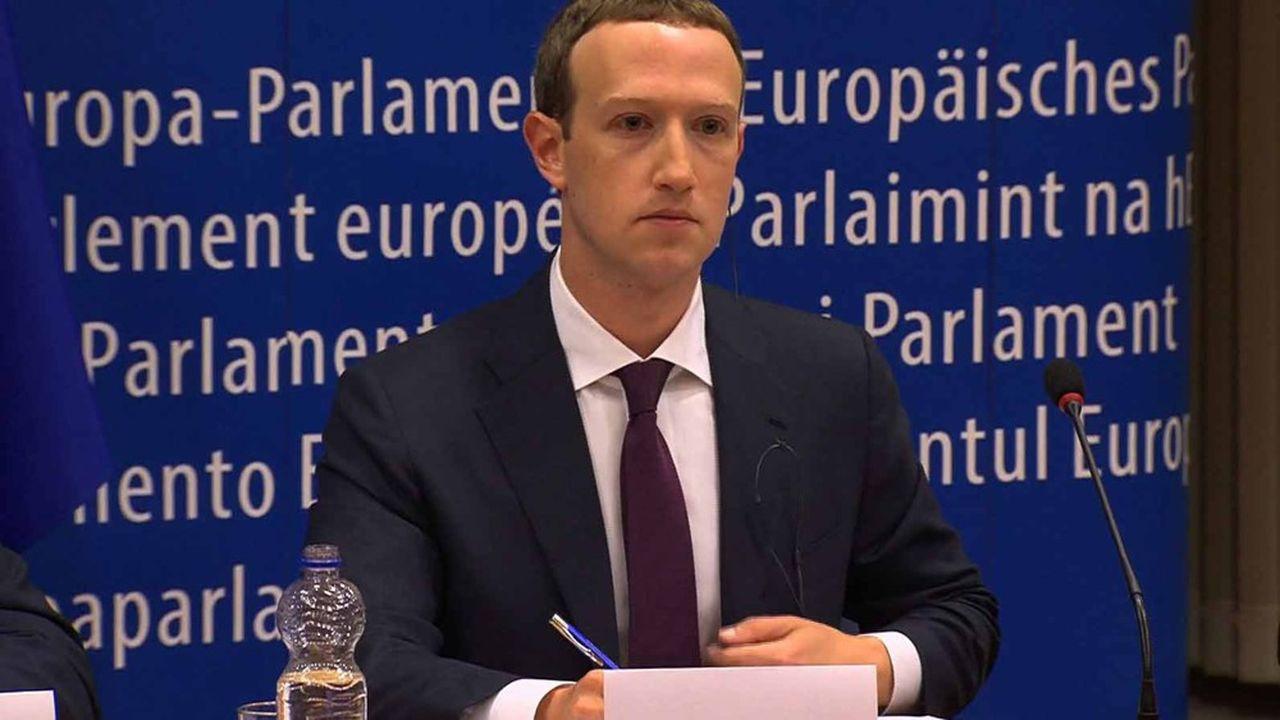 le retentissant scandale de Cambridge Analytica s'est soldé par une amende record de 5 milliards de dollars infligée à Facebook. Ici, son fondateur, Mark Zuckerberg, lors de son audition devant le Parlement européen le 22 ami 2018.