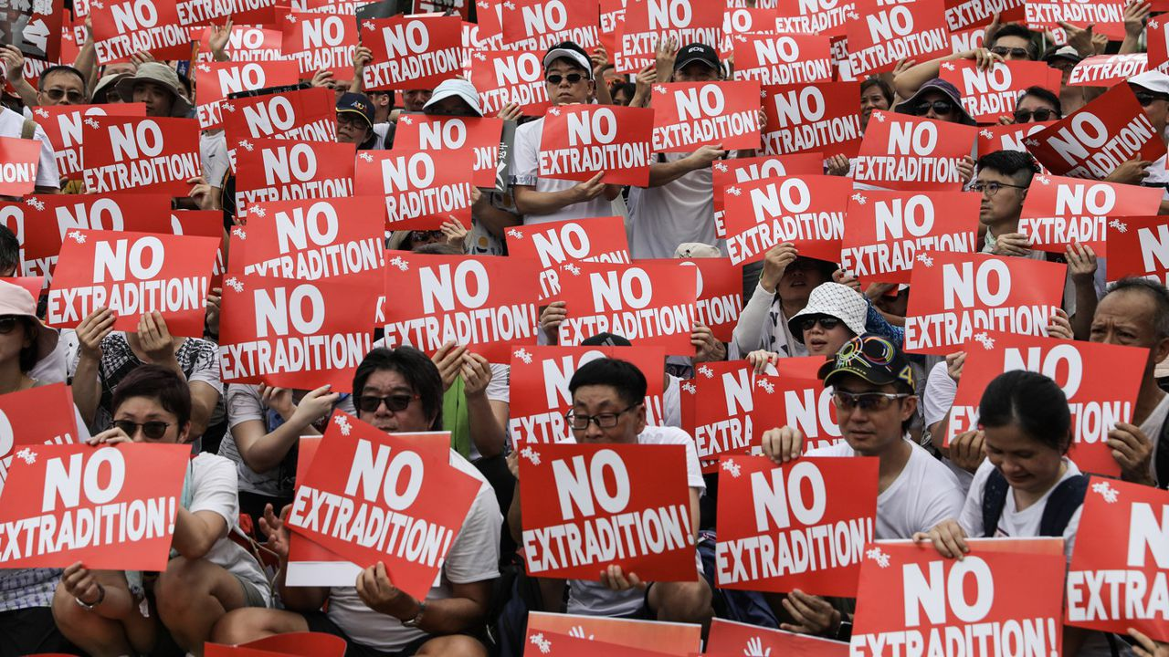 Des manifestants contre le projet de loi d'extradition, le 9 juin 2019 à Hong Kong.