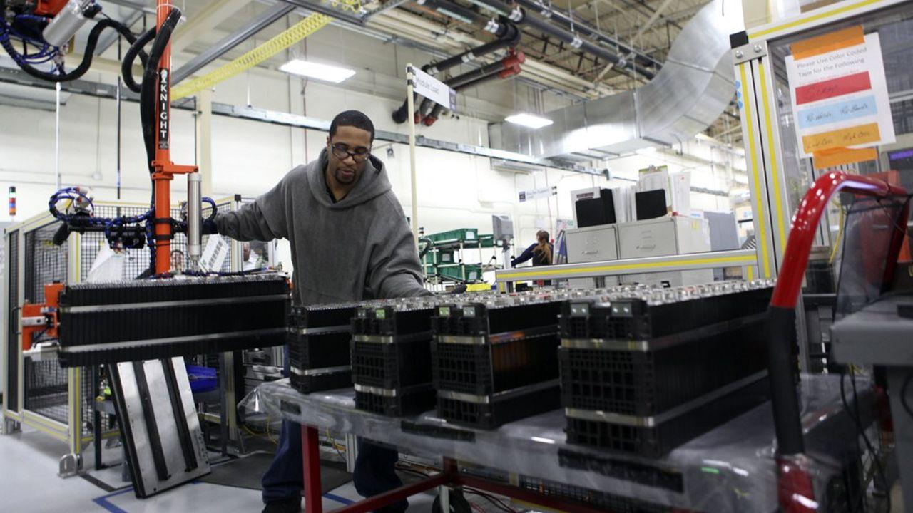 La demande pour les batteries devrait être multipliée par cinq d'ici à 2025 et par dix d'ici à 2030, permettant aux producteurs de jouer sur les effets d'échelle.